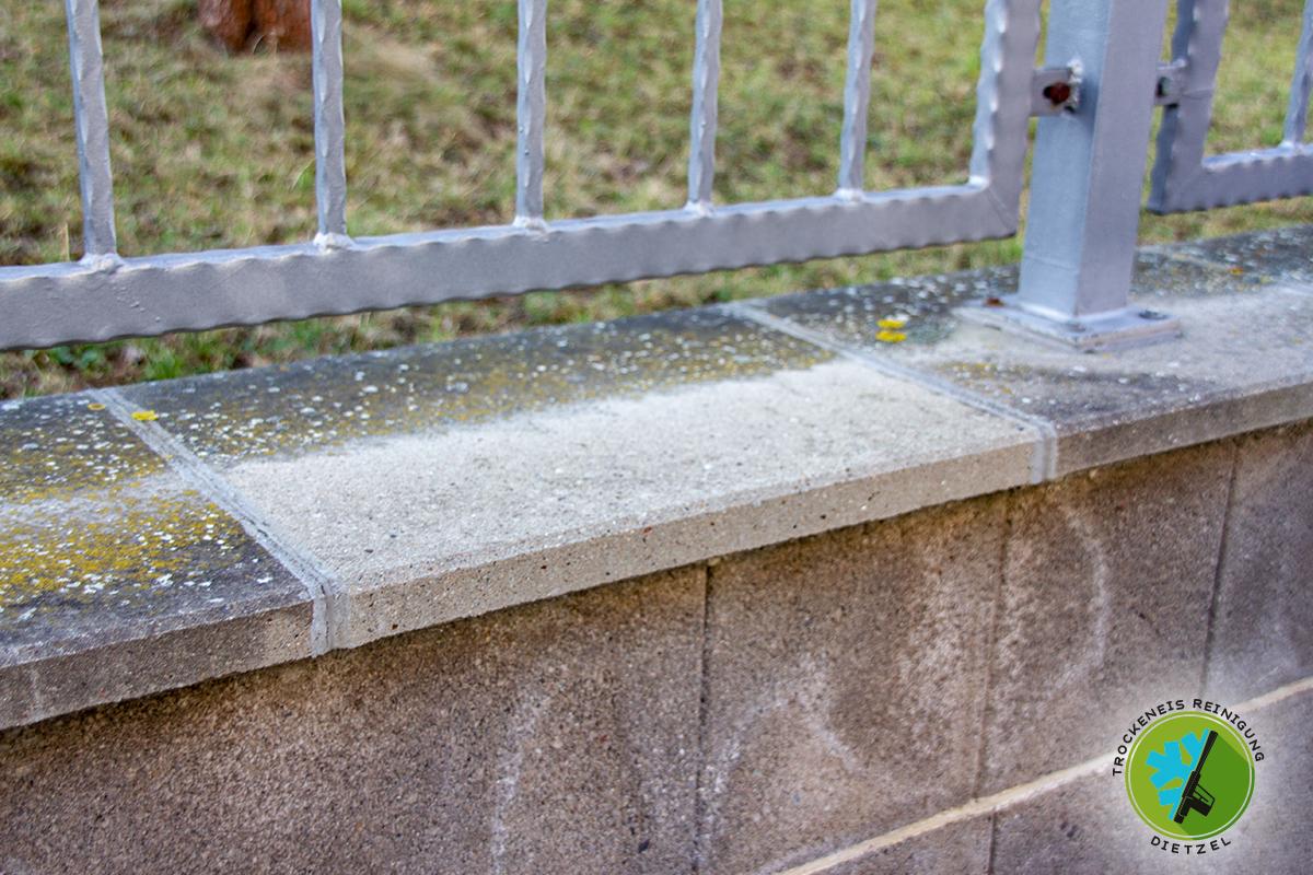 Beton reinigen, Moos entfernen, Verwitterung reinigen, Beton schleifen, Trockeneisreinigung DIetzel, Trockeneisstrahlen