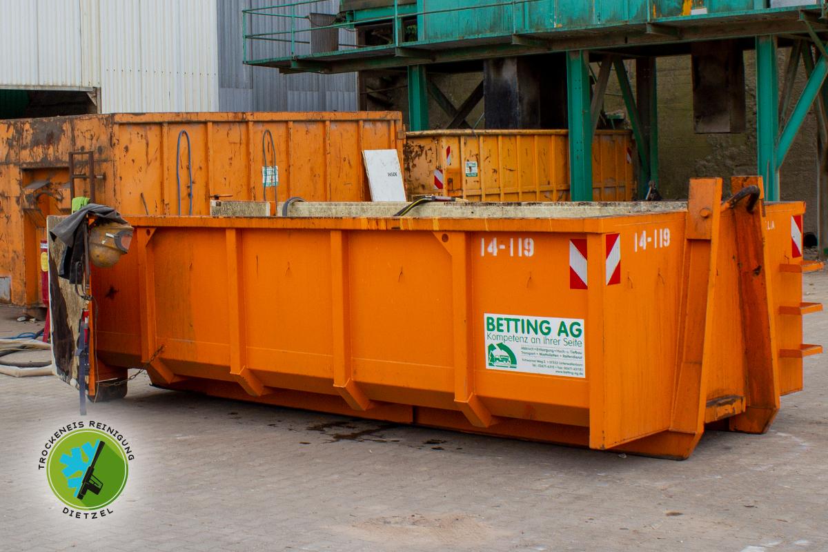 Betting, Abrollcontainer, Absetzcontainer, Unterwellenborn, Silolack entfernen, Sandstrahlen, Trockeneisreinigung Dietzel, 1